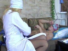 Enfermera madura rusa Joder con el paciente,