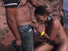 africano trío Follar Orgía, extremo africano trío Follar Orgía con un chocolate caliente nena en la naturaleza